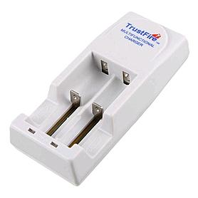 Фото 4 к товару Набор (фонарь Fenix TK11, зарядное устройство, аккумулятор) +клипса на ремень в подарок