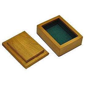 Фото 1 к товару Деревянная шкатулка для карт (ручная работа)