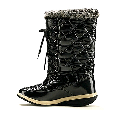 Сапожки зимние на шнуровке, черные WalkMaxx