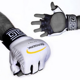 Фото 2 к товару Перчатки для смешанных единоборств 4 oz Legacy white