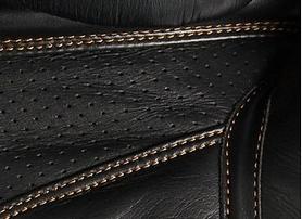 Фото 3 к товару Перчатки боксерские Adidas Adistar черно-золотые