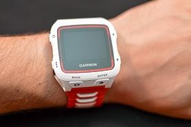 Фото 2 к товару Часы мультиспортивные с кардиодатчиком Garmin Forerunner 920XT Bundle White & Red