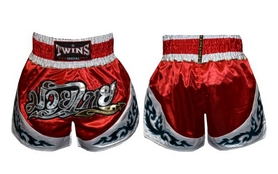 Фото 1 к товару Трусы для тайского бокса Twins TBS-800 красные