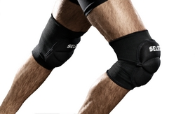 Суппорт колена Select Elastik Knee Support With Pad