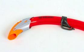 Фото 6 к товару Набор для плавания Dorfin (ZLT) (маска+трубка) красный ZP-26542-SIL-R