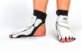Фото 2 к товару Защита для ног (стопа) ZLT BO-2601-W белая