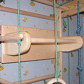 Фото 2 к товару Спортивный уголок 210 см (шведская стенка + гладиаторская сетка) из бука 467-344-1