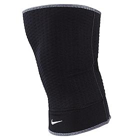 Суппорт колена Nike Closed Patella Knee Sleeve (1 шт)