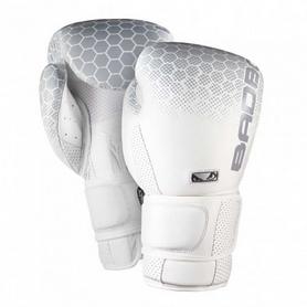 Перчатки боксерские Bad Boy Legasy 2.0 White