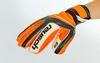 Перчатки вратарские с защитными вставками на пальцы Reusch FB-873-1 оранжевые - фото 3