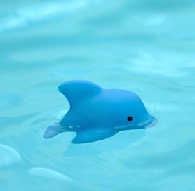 Игрушка для ванной Konfidence Flashing Blinkies Dolphin (FFB02-24) - Фото №2