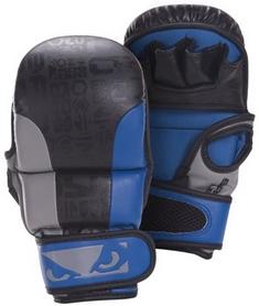 Перчатки тренировочные Bad Boy Legacy Safety Mma Gloves - 6 унций, черно-синие (FP-BADLEGSBL)