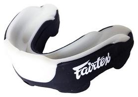 Капа Fairtex MG3, черная (MG3-blk)