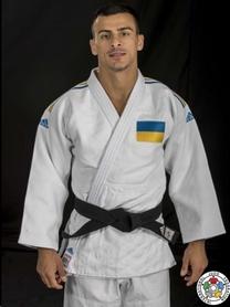Кимоно для дзюдо Adidas Champion 2 IJF Slim Fit белое с сине-желтыми полосами